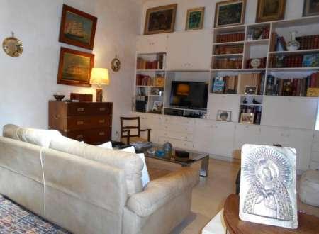 Magnifique maison de ville perpignan centre immobilier for Chambre ado 13m2
